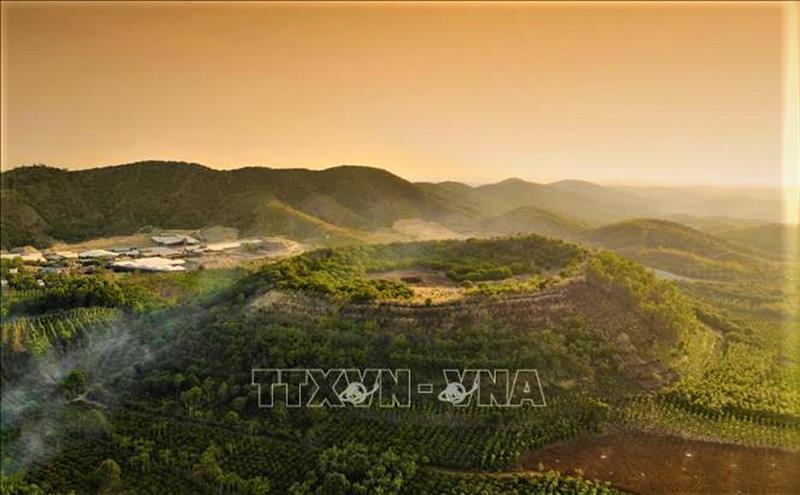 Núi lửa Nâm Gle, xã Thuận An, huyện Đắk Mil nằm trong Công viên địa chất Đắk Nông