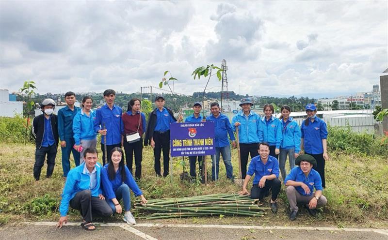 Thành Đoàn Bảo Lộc thực hiện Công trình Thanh niên chào mừng Đại hội Đảng bộ tỉnh Lâm Đồng
