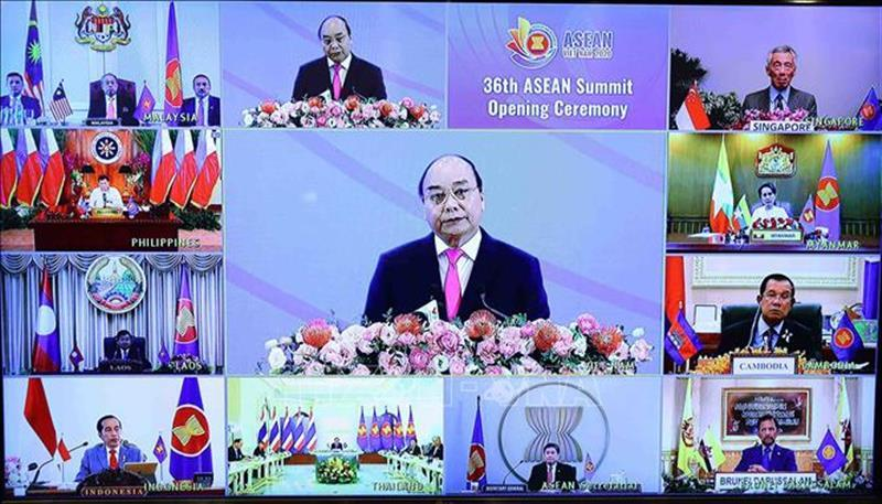 Tổ chức thành công các sự kiện trong bối cảnh đại dịch COVID-19 diễn biến phức tạp từ đầu năm đến nay, Việt Nam một lần nữa khẳng định vị thế, vai trò tiên phong, chủ động và đầy trách nhiệm của nước Chủ tịch luân phiên ASEAN 2020. Ảnh: TTXVN