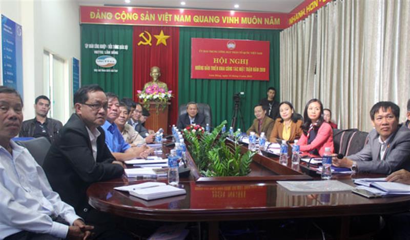 Các đại biểu tham dự hội nghị tại đầu cầu Lâm Đồng